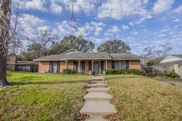 2100 Wooded Acres Dr, Waco TX 76710
