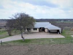 1657 Shiloh Church, Crawford TX 76638