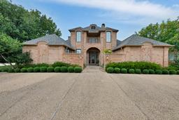 6437 ridglea crest drive, fort worth, TX 76116