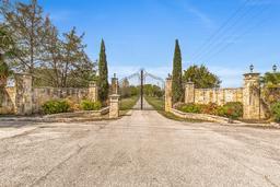 700 s white chapel boulevard, southlake, TX 76092