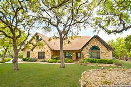 1125 glenwood loop, bulverde, TX 78163