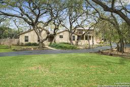 9325 Bluebell Dr, Garden Ridge TX 78266