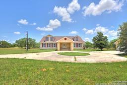770 county road 302, jourdanton, TX 78026