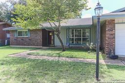 6326 Dove Hill Dr, San Antonio TX 78238