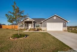 145 Blue Bonnet Hill St, Pearsall TX 78061