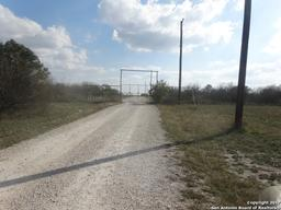 330 S Private Rd 5754, Castroville, TX 78009