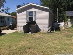 311 N Reed St, Pleasanton TX 78064