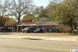 711 N Walnut Avenue