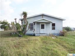 1102 W Broadway Avenue, Seadrift TX 77983