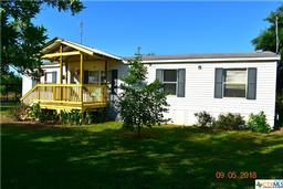 94 Sunset Trail, Luling, TX 78648